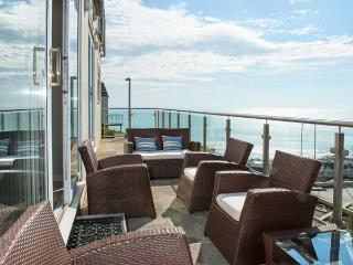 LOOE ISLAND VIEW spectacular sea views, full-length terrace, raised deck in Downderry Ref 919242 - Dobwalls vacation rentals