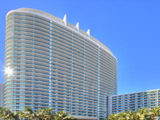 Modern, Spacious, Classe and Luxury 1br Apt in Sobe! - Miami Beach vacation rentals
