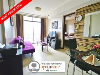 Modern and Highly Reviewed Vacation Condo in Makat - Makati vacation rentals