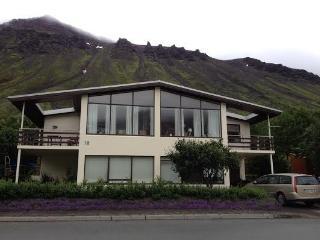 Miðtún - bed & breakfast - Ísafjörður vacation rentals