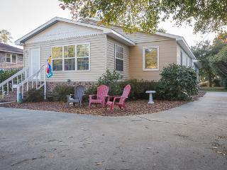 Serenity Haven-pet friendly walk to beach!! - Myrtle Beach - Grand Strand Area vacation rentals