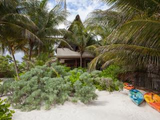 Casita Bonita. Intimate beach house - Tulum vacation rentals