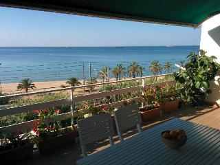 Sea Views From Tarragona City - Next To The Amphit - Miami Platja vacation rentals