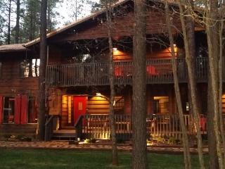 HUGE Cabin-Movie Theater-Pool Table-sleeps 28 - Pinetop vacation rentals