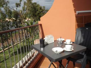 Feel the sun!! Fully equipped+Wifi+Garage+3 pools - Costa del Silencio vacation rentals