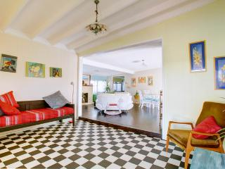 dog'nme holiday cottage, a Gold Coast charmer - Gold Coast vacation rentals