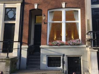 Chariot Amsterdam - 4 bedroom canal apartment - Amsterdam vacation rentals