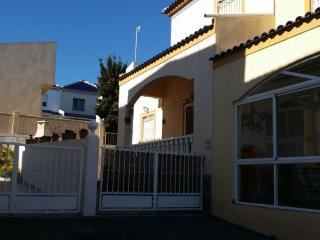 3 Bed Town house with WIFI, close to beaches - Alicante vacation rentals