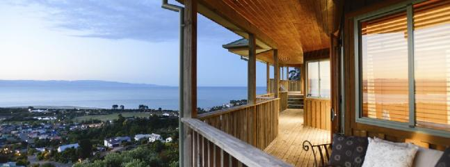 Tasman Vista | Sleeps 8 | from $250 - Nelson vacation rentals