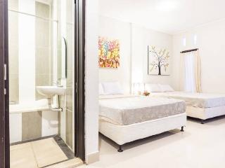 Kuta Studio, FreeBreak,5pax,AC,wifi,sat Tv,complet - Kuta vacation rentals