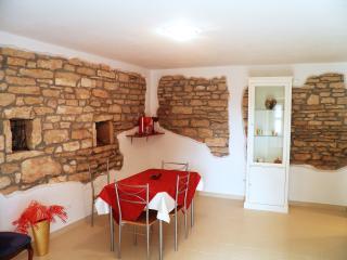 TH00045 Holiday house Violeta / Economy Duplex one bedroom A2 - Kanfanar vacation rentals