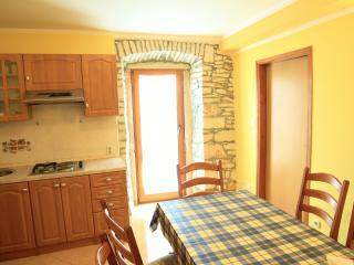 TH00133 Apartments Mirjana Medulin / Three bedroom A6 - Medulin vacation rentals
