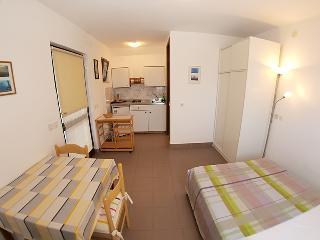 TH00148 Apartments Zgrablic / Studio for two - Pula vacation rentals