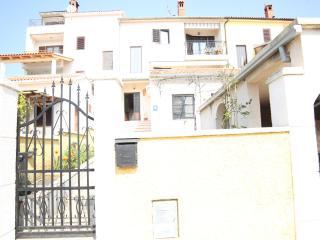 TH00190 Apartments Gabrijela / Two bedrooms Antea - Pula vacation rentals