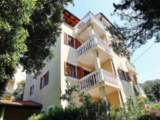 TH00218 Apartments Mira / Two bedroom A6 - Pula vacation rentals