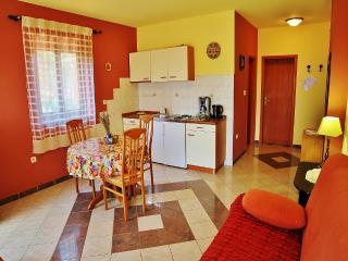 TH00218 Apartments Mira / One bedroom A7 - Pula vacation rentals