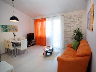 TH00336 Apartment Biba / Three bedrooms A2 - Pula vacation rentals