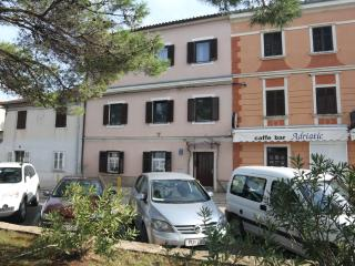 TH00396 Apartments Caus / Three bedrooms A1 - Fazana vacation rentals