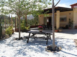 Finepark Bungalow Toledo - Alicante vacation rentals