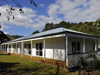 The House of Plenty - Waiheke Island vacation rentals