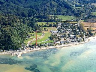 Tides - Takaka vacation rentals