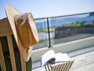 The Glass House - Kuaotunu vacation rentals