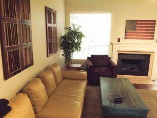 You will LOVE this cozy 3/2 house! Pool table - Austin vacation rentals