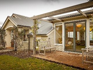 Queenstown Peaks - South Island vacation rentals