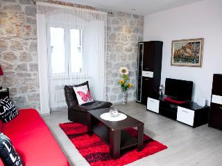 ILIĆEV PROLAZ - HEART OF THE CITY - Split vacation rentals