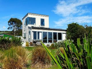 Surfinn Eco Cottage - Waikawa vacation rentals