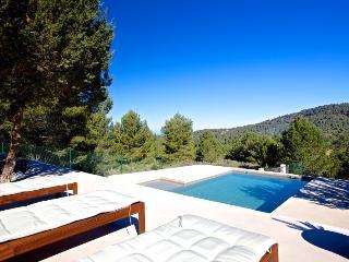 Villa Tiesto 309 - San Lorenzo vacation rentals