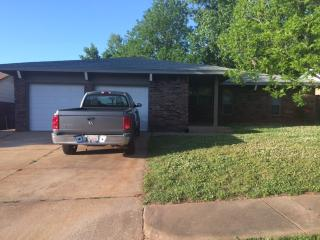 Comfortable , Spacious Brick 3 bedroom House DWNTWN & TAFB Minutes away - Del City vacation rentals