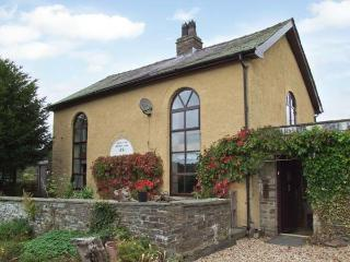 RHULEN OLD CHAPEL, detached, original features, woodburner and open fire, WiFi, near Painscastle, Ref 911994 - Painscastle vacation rentals