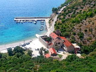 Brsecine castle on the sea - Brsecine vacation rentals