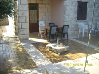 Apartment Vlaho for 5 in the Mediterranean surroundings - Dubrovnik-Neretva County vacation rentals