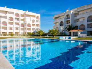 Senhora da Rocha  apartment with swimming pool 2 - Armação de Pêra vacation rentals