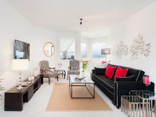 Herbert Samuel 3 Bedroom - Tel Aviv vacation rentals