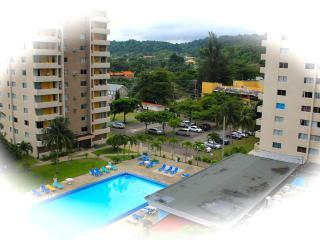 Turtle Beach Studio-Pool/Beach/WiFi/Cable/Security - Ocho Rios vacation rentals