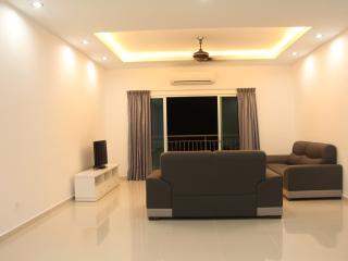 3 Bedroom Condo High Speed Wifi, Bayan Baru Penang - Bayan Lepas vacation rentals