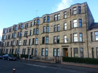 Paisley Flat next to Railway Station - Paisley vacation rentals