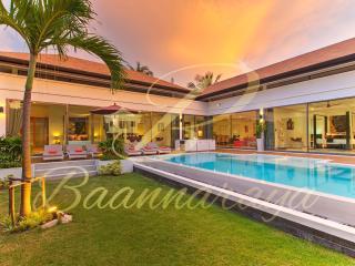 Baannaraya Villas Near 7 Beaches - C - Rawai vacation rentals