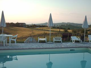 Panoramic apartment in Chianti with swimming pool - Castelfiorentino vacation rentals