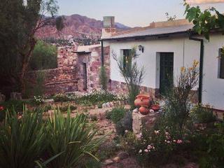 Villa Nanin Casa de adobe blanco Tilcara - Tilcara vacation rentals