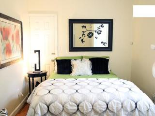 Moblat 4 Cozy Manhattan Studio close to Manhattan - Astoria vacation rentals