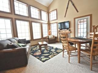 Updated 3BR Condo In Desirable Disciples Village Community, Sleeps 12 - Northwest Michigan vacation rentals