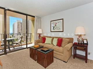 Ocean views - 1 bedroom, AC, WiFi, pool, parking.  Close to beach.  Sleeps 4. - Waikiki vacation rentals