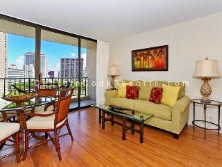 UPGRADED 2 bedroom, 1 bath, full kitchen, A/C, washer/dryer, WiFi, parking! - Waikiki vacation rentals