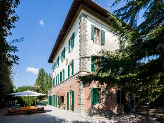 Le Contesse, lordly Villa with pool and tennis court. - Cortona vacation rentals