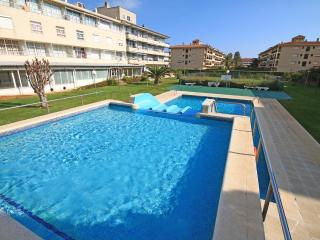Holiday apartment  with waterslides - L'Escala vacation rentals