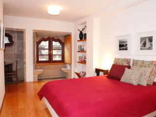 Fascinating LoveSeats in Flat at Porto's historical area - Porto vacation rentals